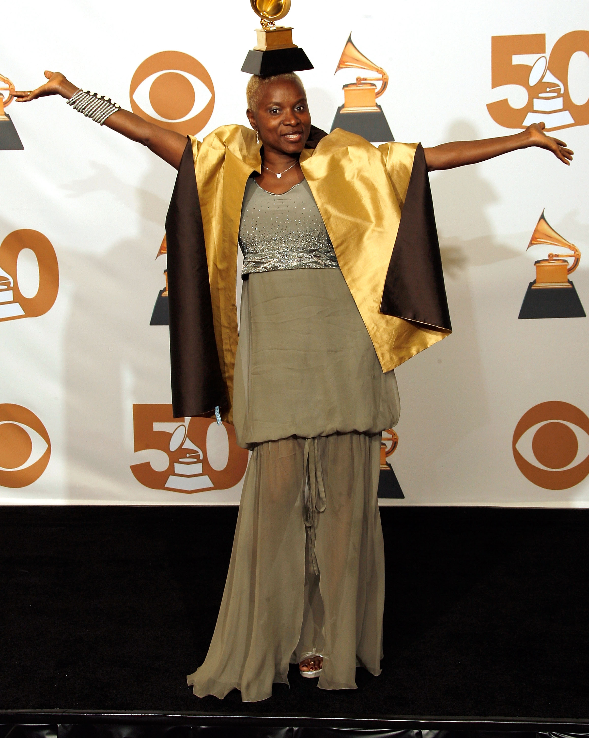 Download Angelique Kidjo © Vince Bucci